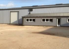 Entrepôt et Bureau à proximité de l'A75 de 1 pour 2014