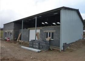 Bâtiment artisanal de 140 m² avec maison d'habitation attenante