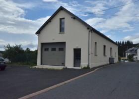 Résidence d'entreprise 90m2 et logement de 68m - Saint Alban sur Limagnole de 1 pour 2011