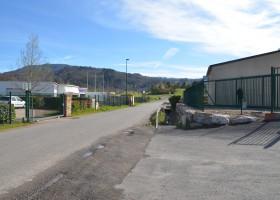 Atelier semi industriel / stockage 580m2 sur échangeur A75