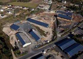 Ensemble de deux bâtiments - entrepôts sur 4200 m² de terrain.