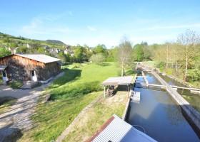 Pisciculture, Atelier, Source et logement - 1,5 hectare de terrain