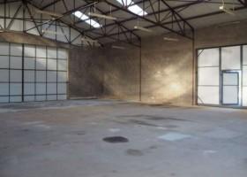 Hangar / Atelier professionnel de 400 m2 sur 1700 m2  de terrain