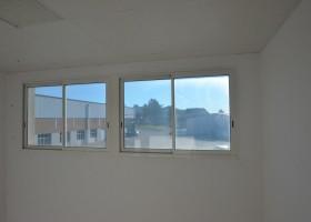 Bureau aménageable de 41 m² au centre d'une zone d'activité ( lot n°9)