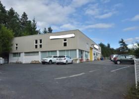 Local industriel avec atelier de 453 m² et 324 m² de bureaux/ateliers/ archives / Boutique