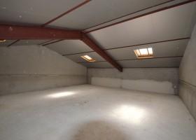 Local à vocation artisanal de 300 m² et maison d'habitation de 220 m²